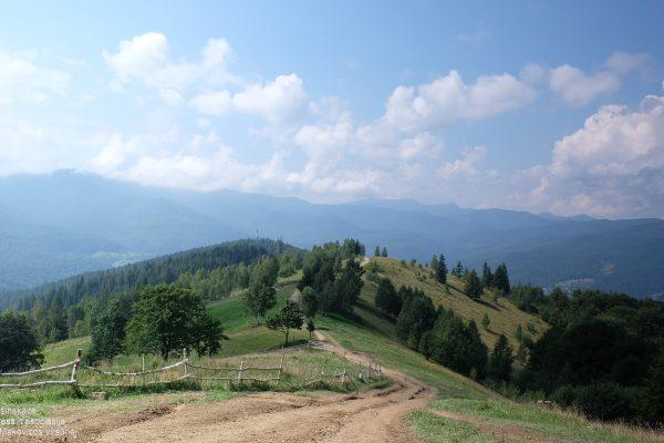 21u Ukraina. Karpatai. Makovicos viršūnėj