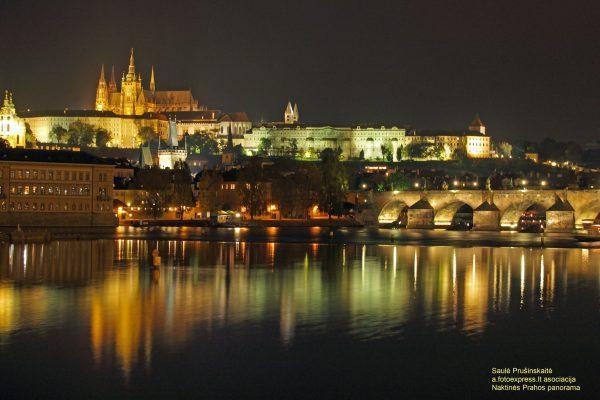 8u Naktinės Prahos panorama